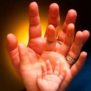 manos-familia